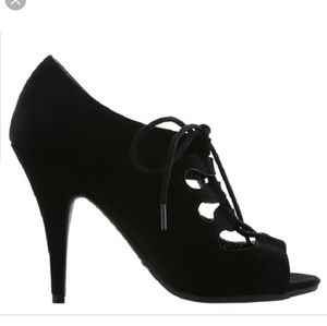 Christian Siriano Black lace up heels